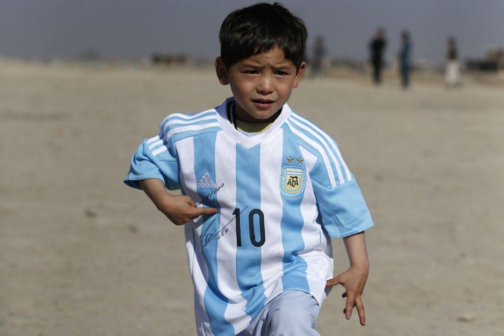 Tidak lagi berjersi beg plastik '10 Messi'...