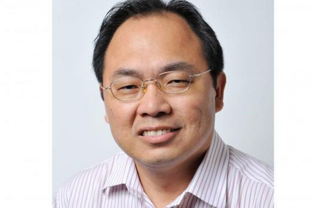 Encik Liang Eng Hwa, Pengerusi Jawatankuasa Parlimen Pemerintah.