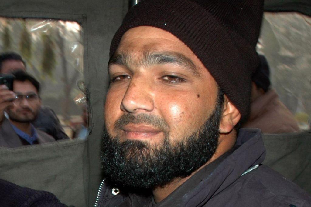 Pakistan gantung pembunuh gabenor yang persoal hukuman hina agama