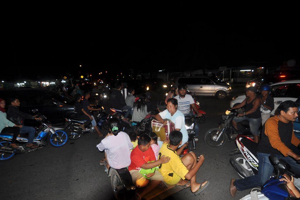 Gempa gegar Sumatera