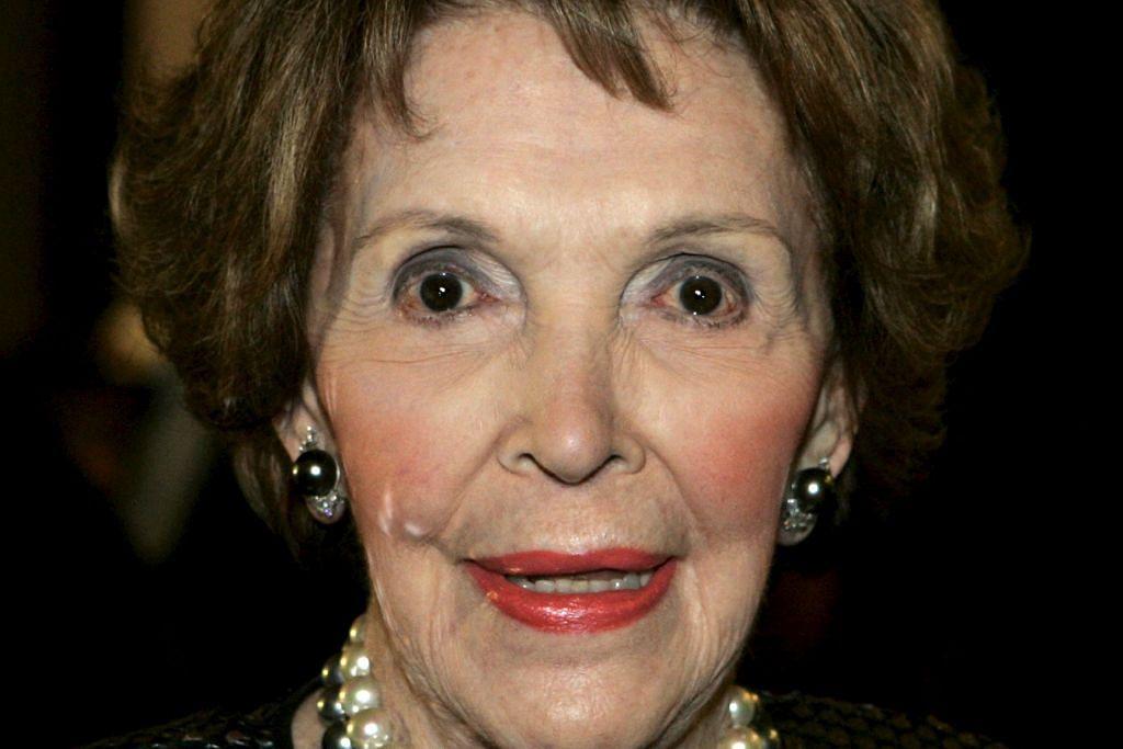 Mantan Wanita Pertama AS Nancy Reagan meninggal