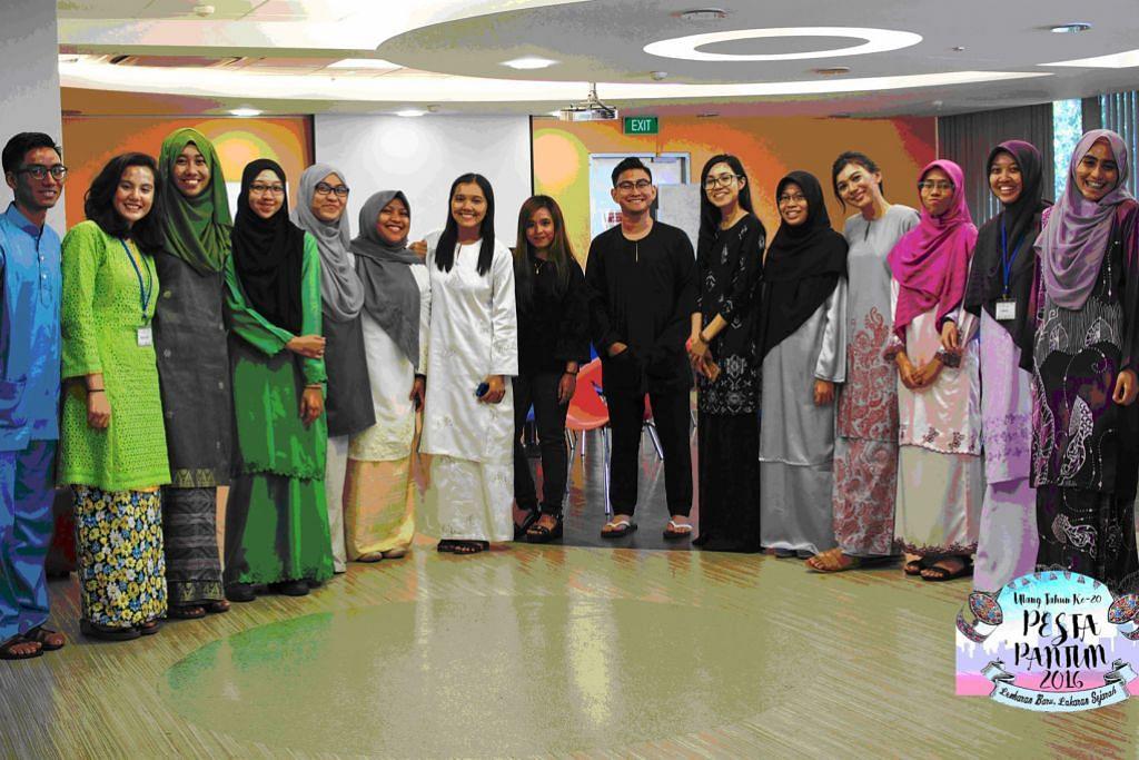 Persatuan Bahasa Melayu NUS anjur adu pantun