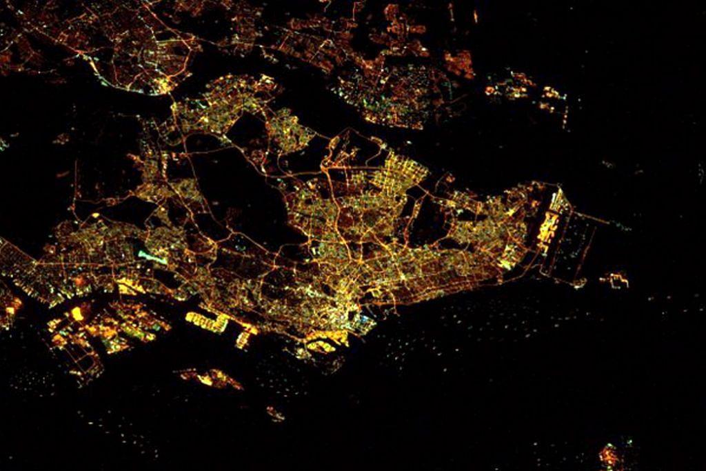 Rupa Singapura dari angkasa lepas