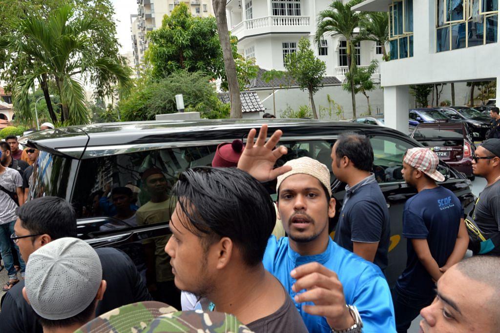 Keluarga terus pulang dari Makkah selepas dengar anak ditimpa nahas