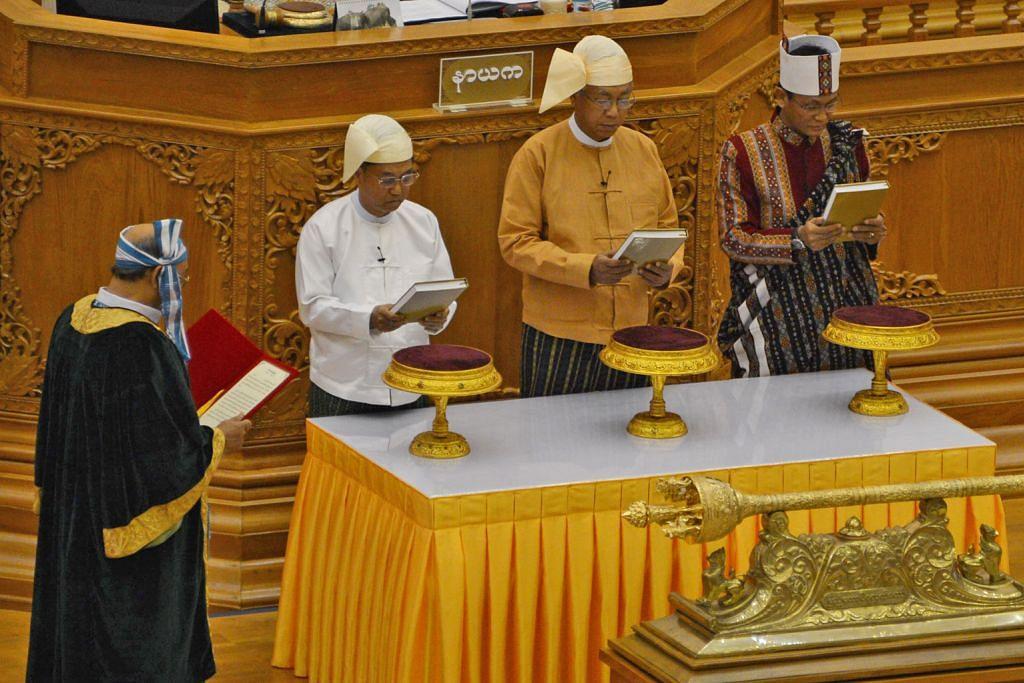 Presiden awam pertama Myanmar angkat sumpah