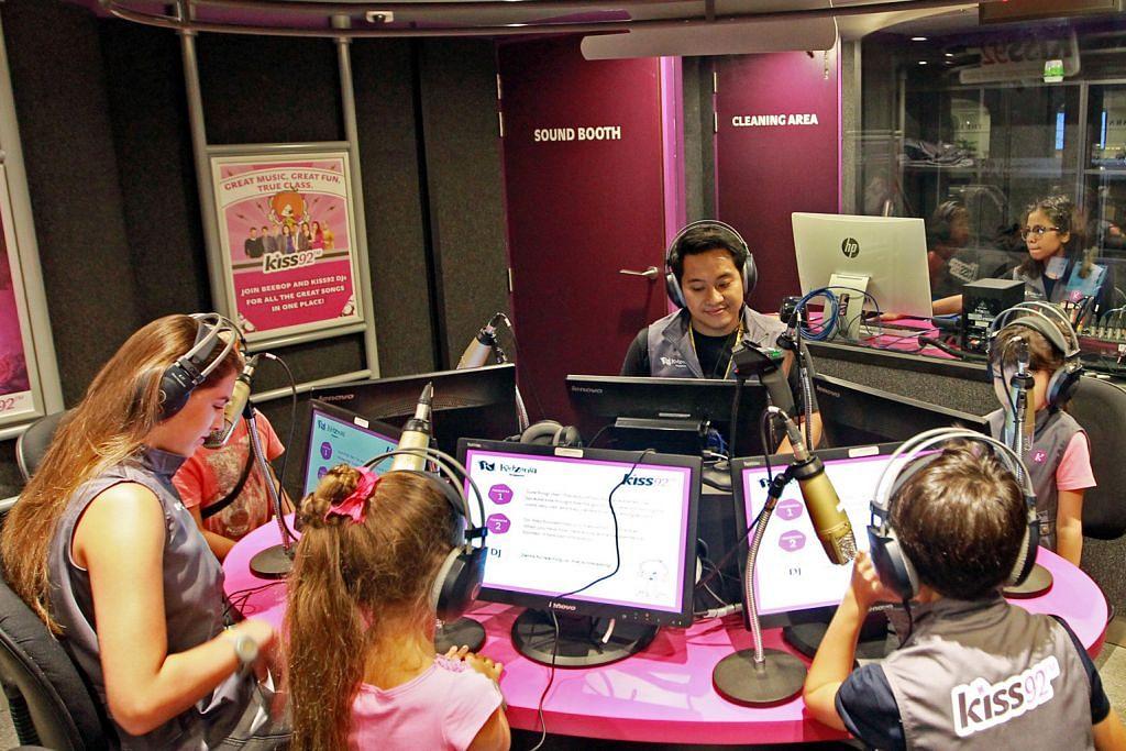 Peluang jadi 'penyiar radio cilik' Kiss92 FM
