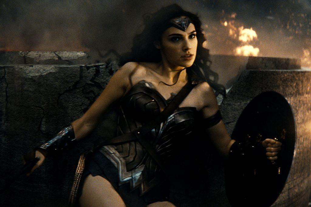 Kostum ketat tidak mencerut 'Wonder Woman'