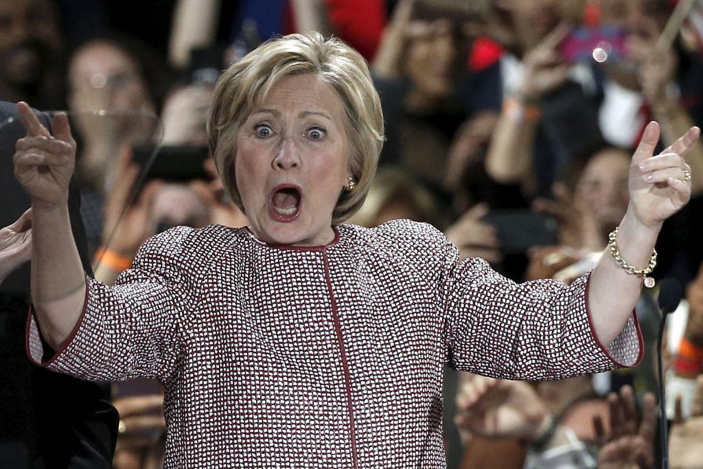 Trump, Clinton menang besar
