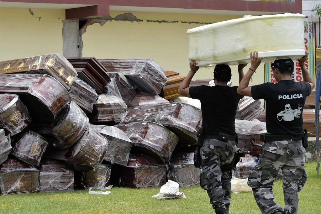 Mangsa gempa Ecuador meningkat