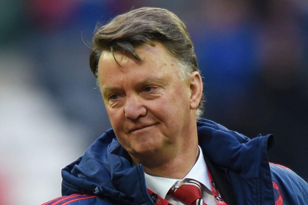 KISAH DUA PENGURUS Van Gaal puji semangat United tewaskan Everton