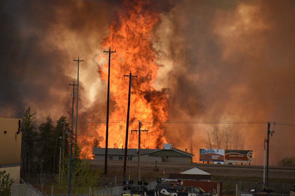 Ribuan penduduk Canada dipindah ekoran kebakaran hutan
