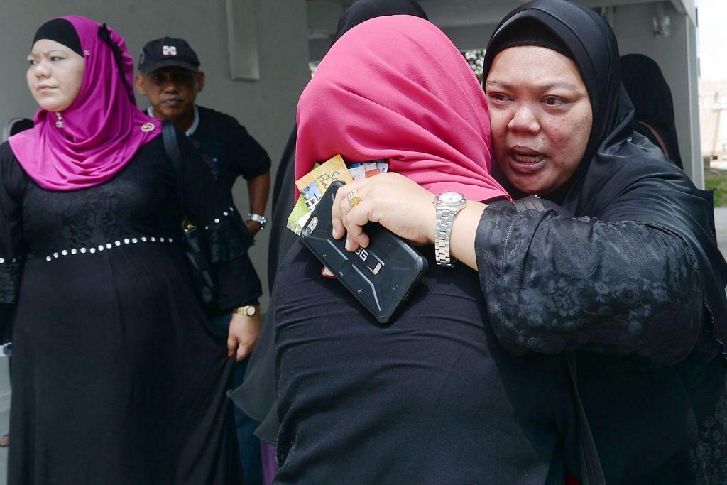 Anak ambil alih Haron Satay apabila ayah jatuh sakit 7 tahun lalu