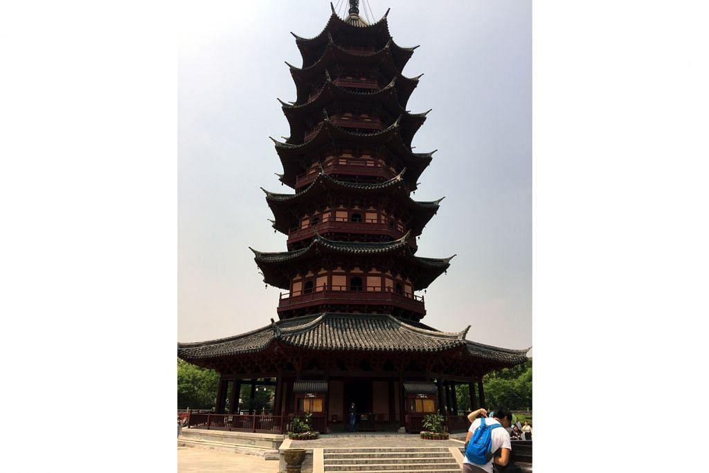 Teroka taman batu batan, lintasi jambatan kebanggaan Suzhou