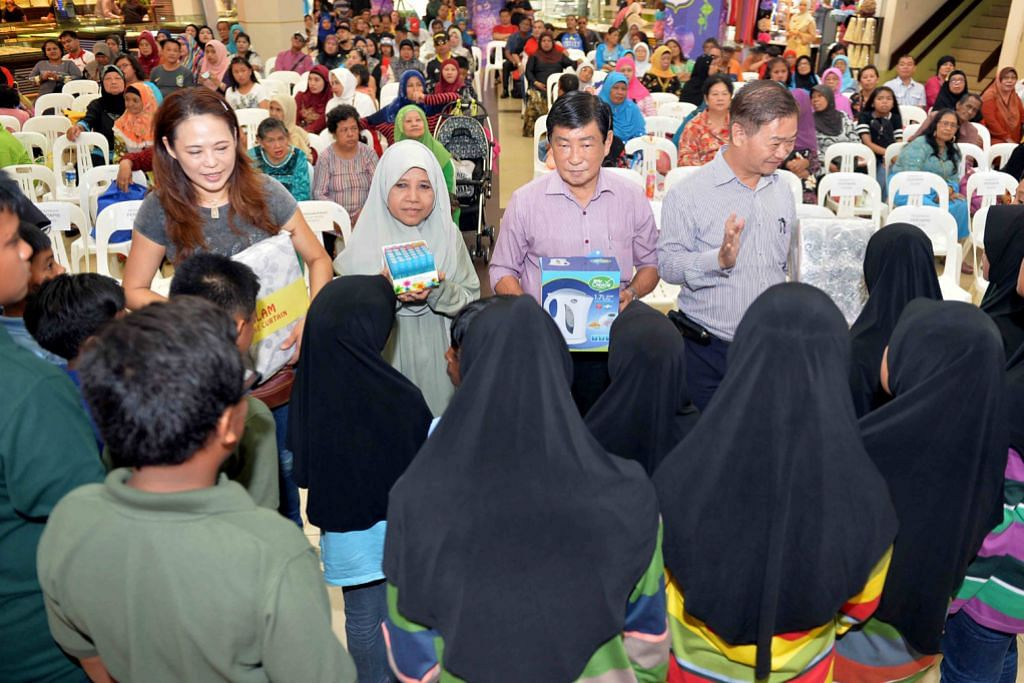 MENJELANG RAMADAN Pekedai Joo Chiat Complex raikan kanak-kanak Pertapis