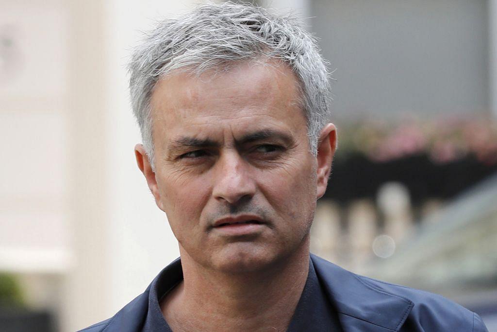 BOLA SEPAK ENGLAND Mourinho sasar Ibrahimovic ke Old Trafford