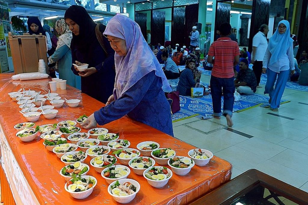 Berbuka dengan makanan berkhasiat di An-Nahdhah