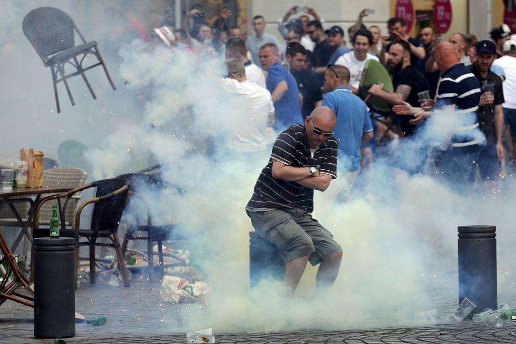 INSIDEN KEGANASAN DI EURO 2016 Penyokong Russia didakwa punca cetus kekecohan
