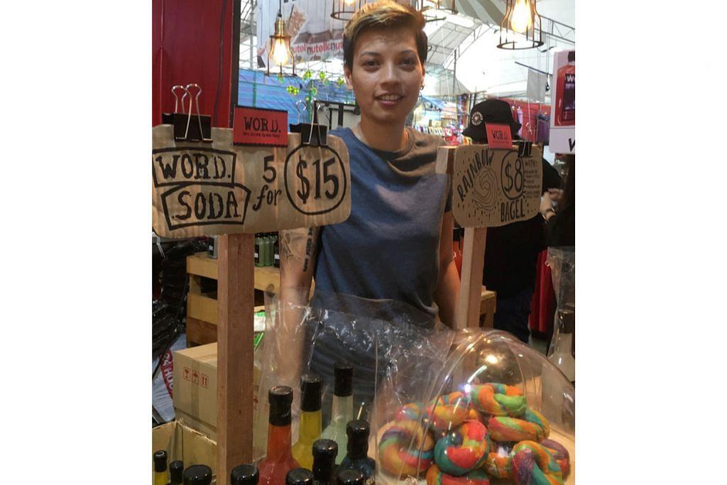 Juadah berbuka antarabangsa di bazar Geylang