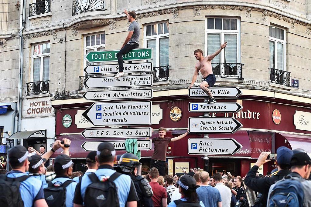 EURO 2016 Polis guna gas pemedih mata leraikan penyokong England