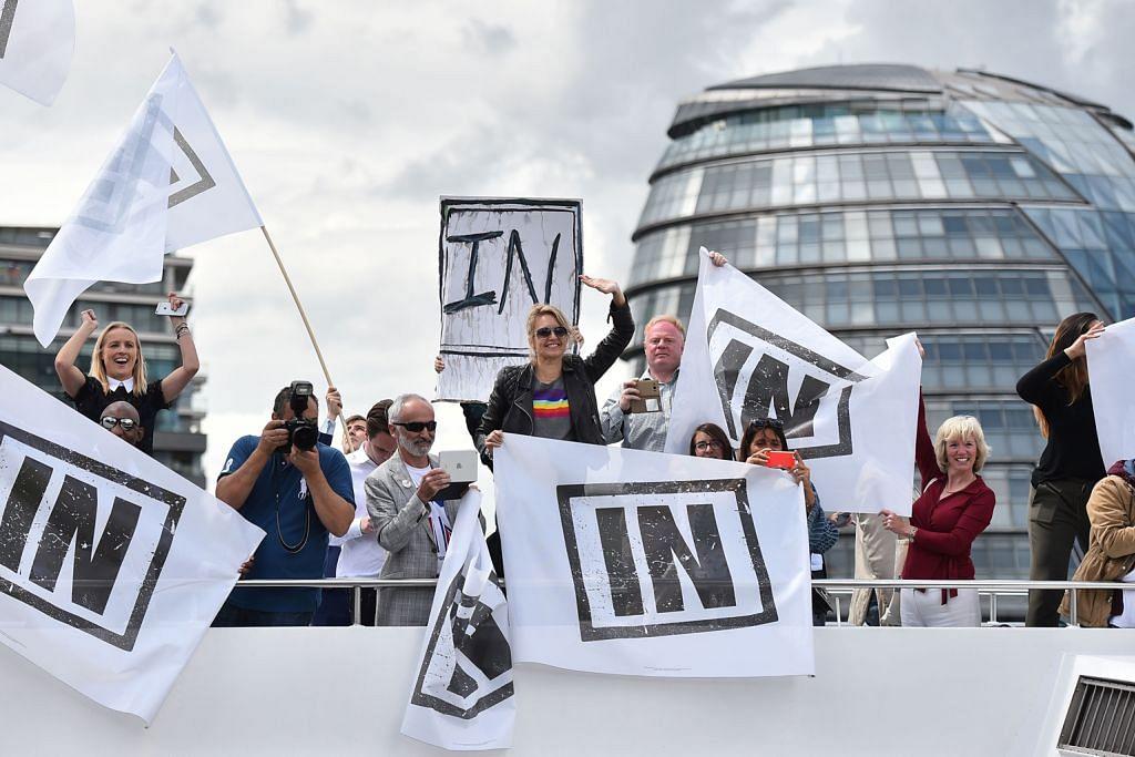 Tinjauan: Penyokong Brexit di depan