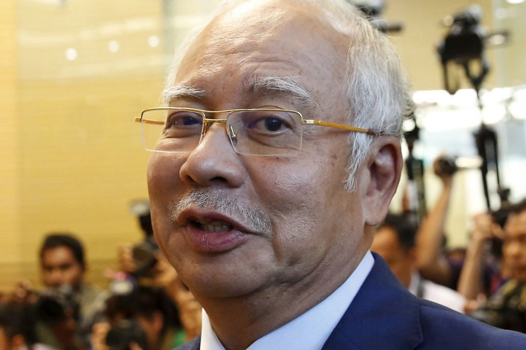 Najib sindir sinis tindakan Mahathir untungkan BN menang pilihan raya