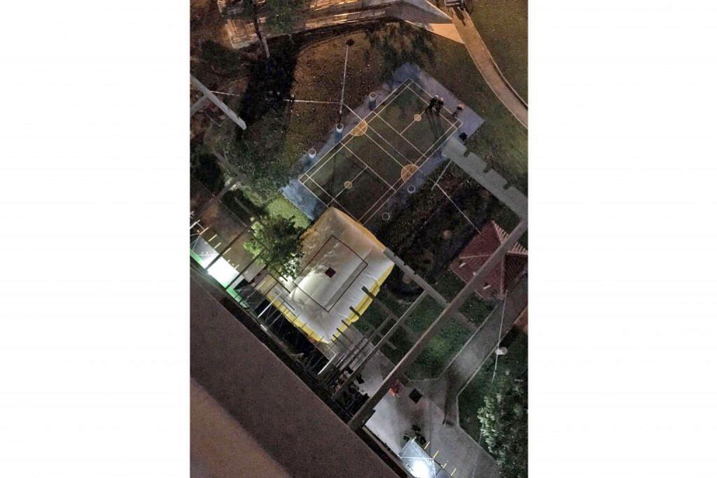 Lelaki bertenggek di rak jemuran flat tingkat 12 di Ang Mo Kio
