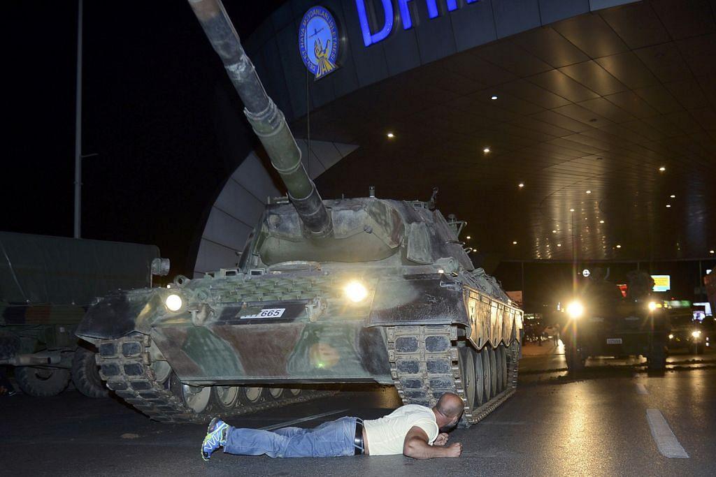 Ketua tentera: Lebih 190 orang terbunuh setelah cubaan rampasan kuasa gagal