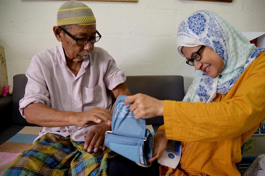 Anak 'istimewa' tabah berdikari jaga ibu bapa sakit