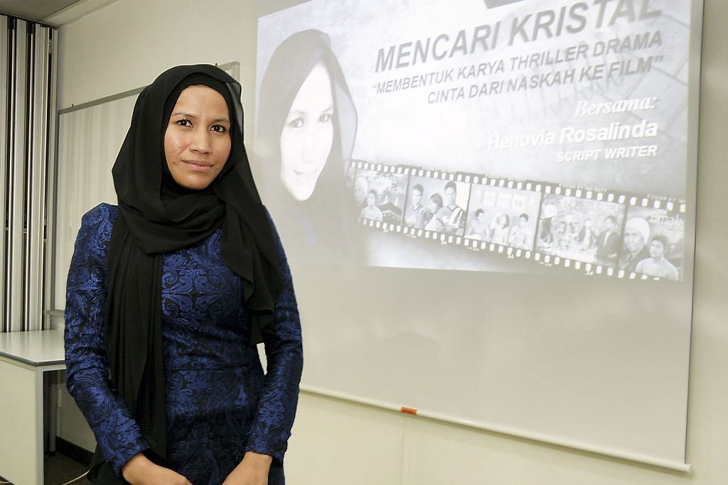 BENGKEL MENCARI KRISTAL BH-NAC Tertarik dengan panduan penulis Indonesia