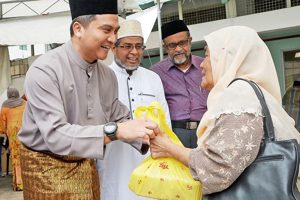 100 keluarga terima habuan daripada Jamiyah