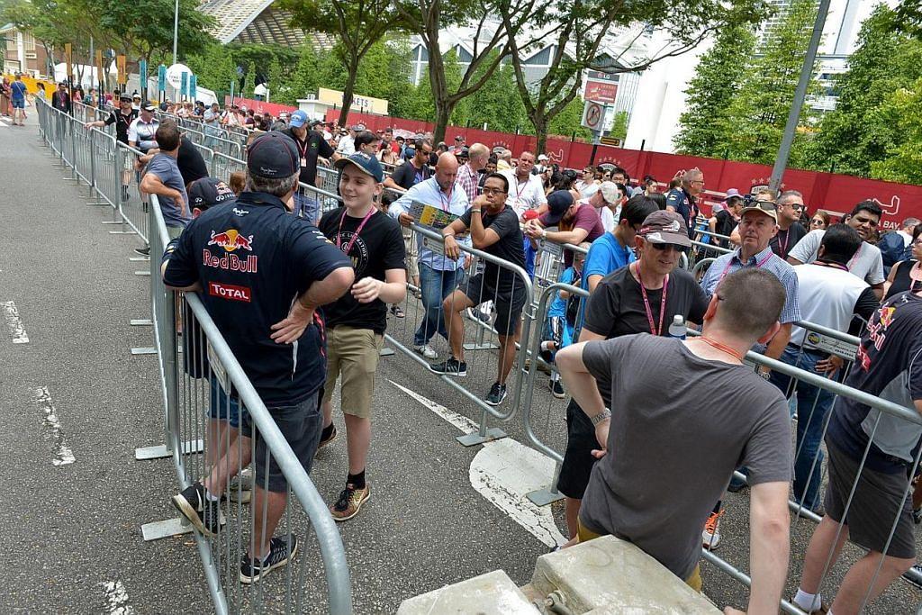 GRAND PRIX SINGAPURA SINGAPORE AIRLINES Pelawat dari serata dunia siap untuk saksikan F1