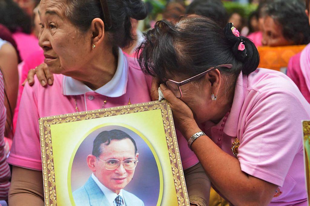 Raja Thai meninggal
