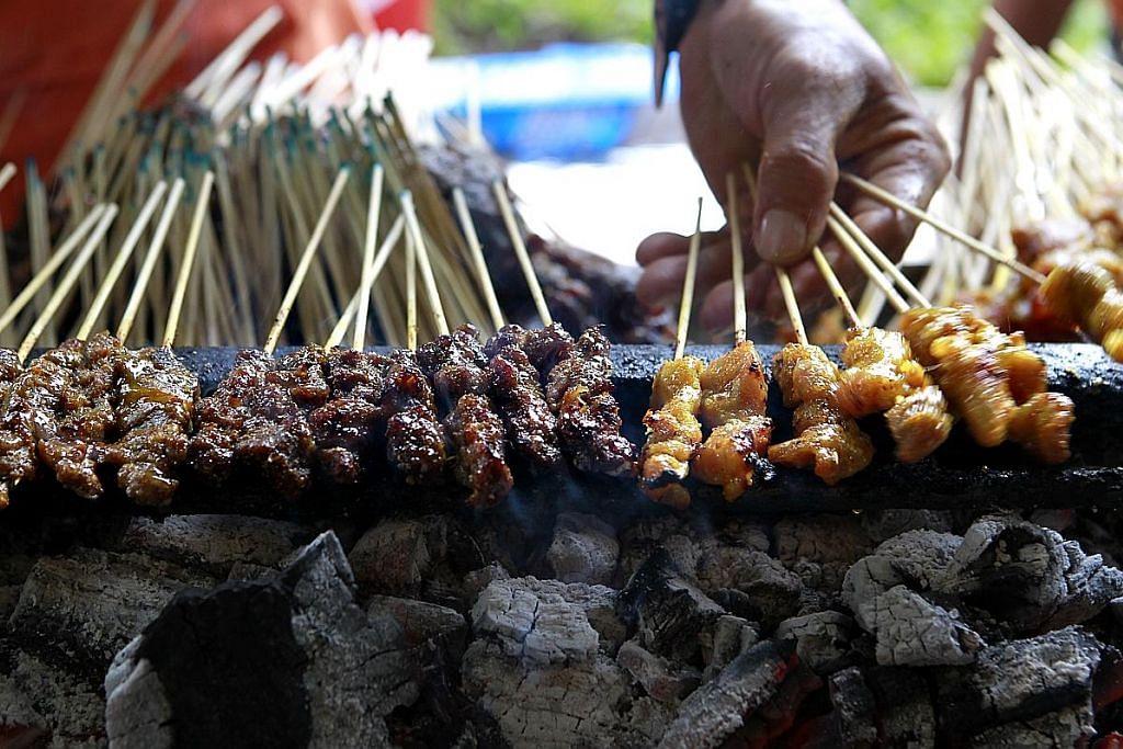 Lapan penjual bertarung rebut gelaran 'Satay Masters'