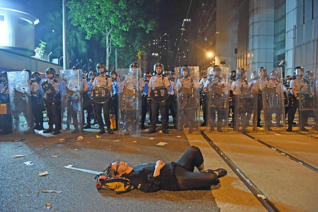 China campur tangan dalam sistem perundangan Hongkong