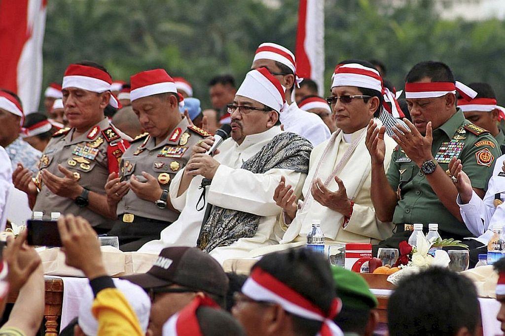 Tentera, polis Indonesia pula buat perhimpunan