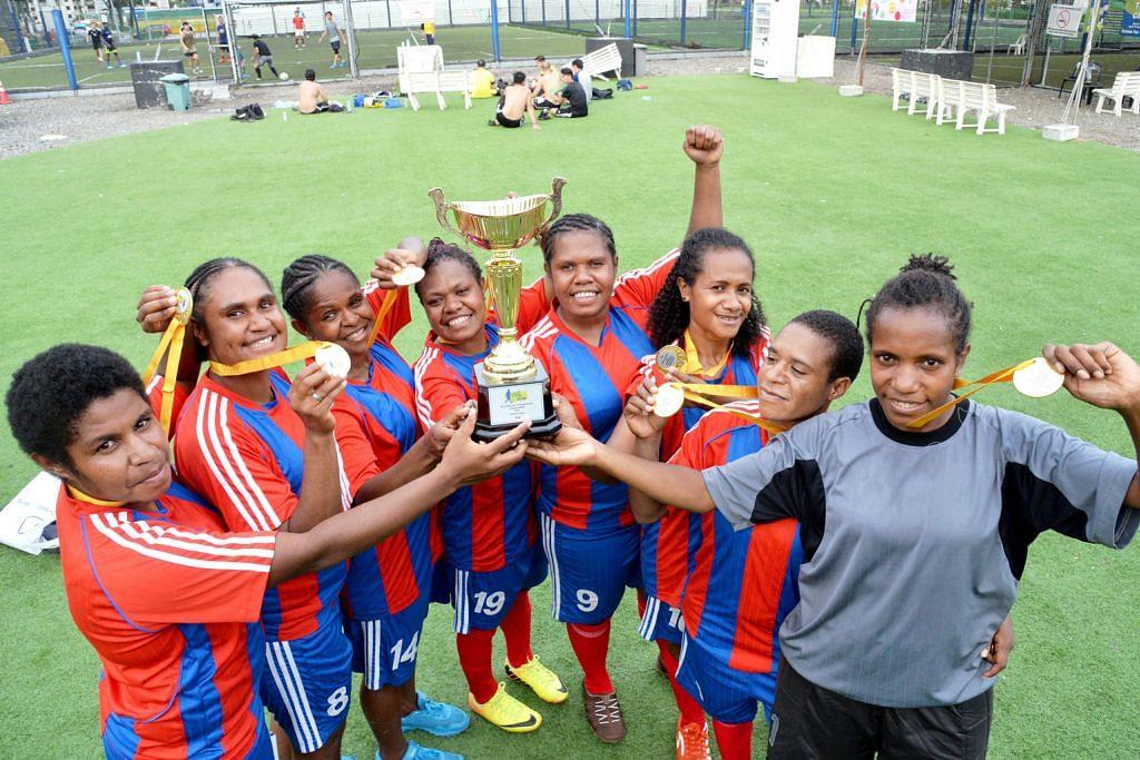 Wanita Papua terbukti gagah
