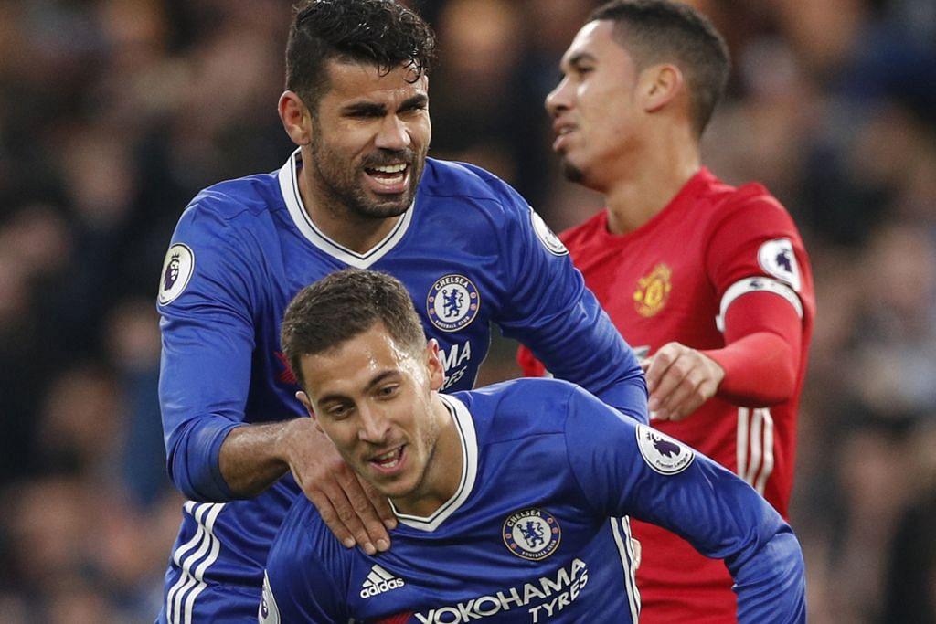 KUNCI KECEMERLANGAN: Kehebatan dua tunggak, Eden Hazard (depan) dan penyerang Diego Costa, antara faktor utama yang membantu Chelsea kini berdiri medah di takhta Liga Perdana. - Foto REUTERS