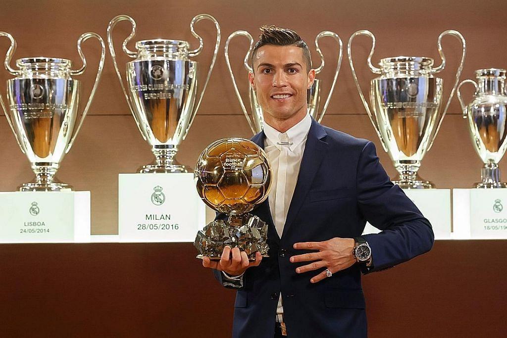 Ronaldo dinobat kali keempat sebagai pemain bola sepak terbaik dunia ANUGERAH BALLON D'OR 2016