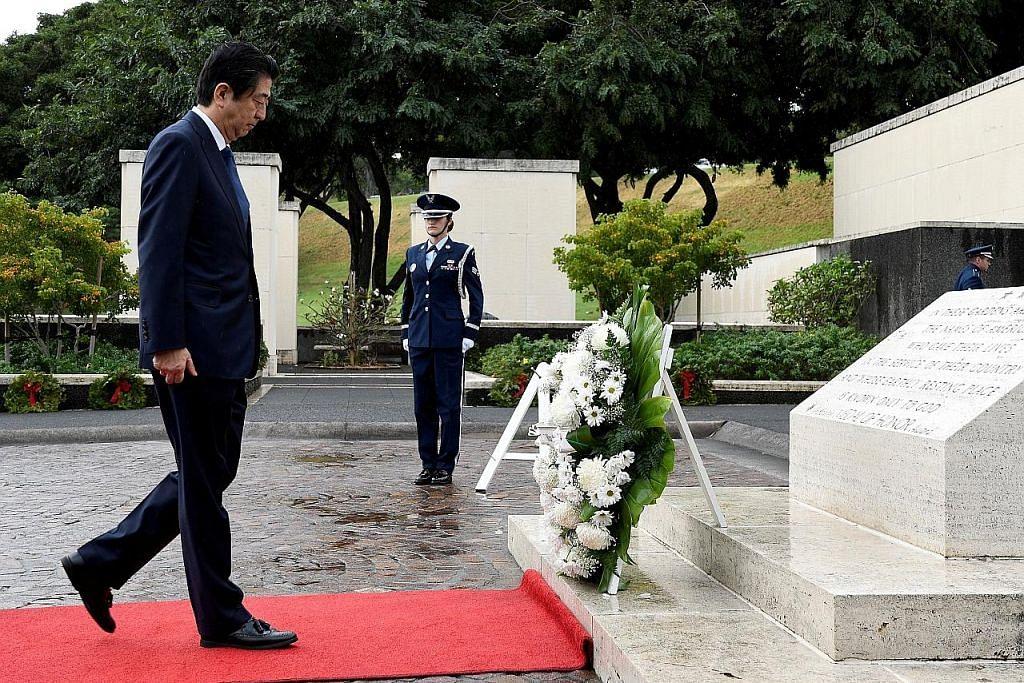 Abe lawat tugu di Hawaii jelang kunjungan rasmi ke Pearl Harbour