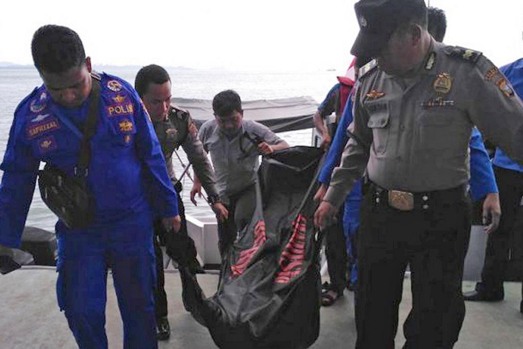 Polis Riau siasat mayat pekerja Singapura terjatuh ke dalam laut