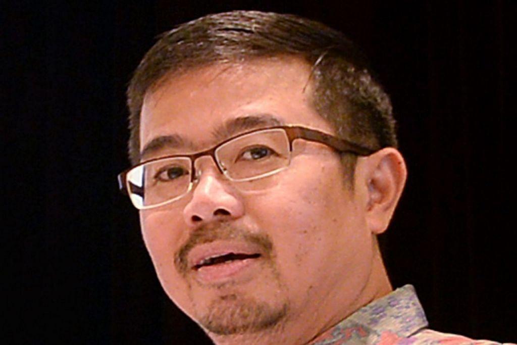 Encik Zainal Sapari.