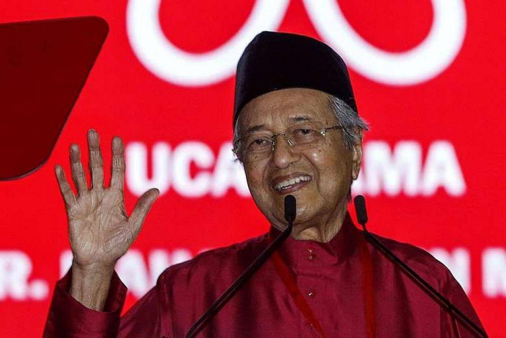 Mantan Perdana Menteri Dr Mahathir Mohamad menulis surat memberi respons terhadap kritikan Sultan Johor.