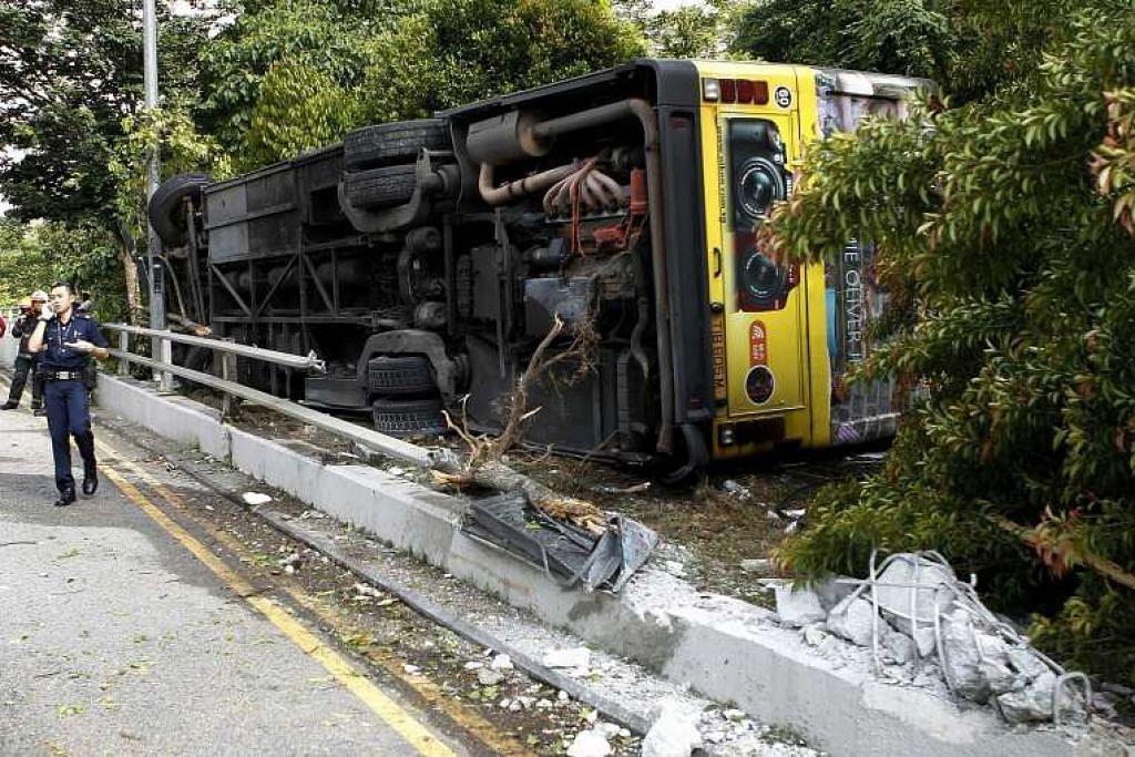 Encik Zhang dituduh memandu sebuah bas awam melebihi had laju sebelum hilang kawalan itu menyebabkan bas itu terbalik.