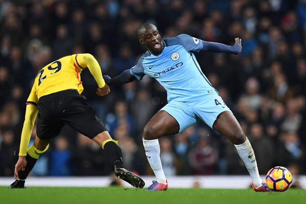 Yaya Toure tolak tawaran China, mahu kekal bermain di England