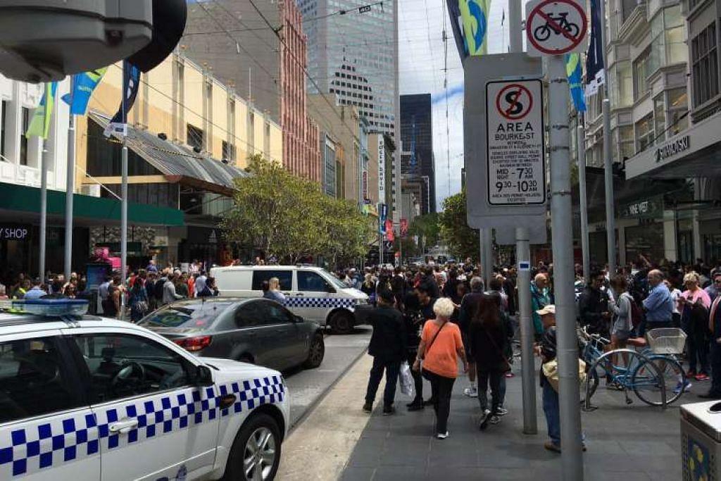 Tiga terbunuh, beberapa cedera selepas sebuah kereta merempuh kawasan pejalan kaki di Melbourne, Australa pada hari Jumaat (20 Jan).