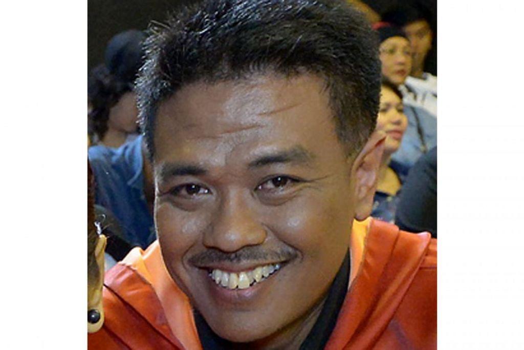 Djohan Abdul Rahman menulis prosa kreatif pada 1998.