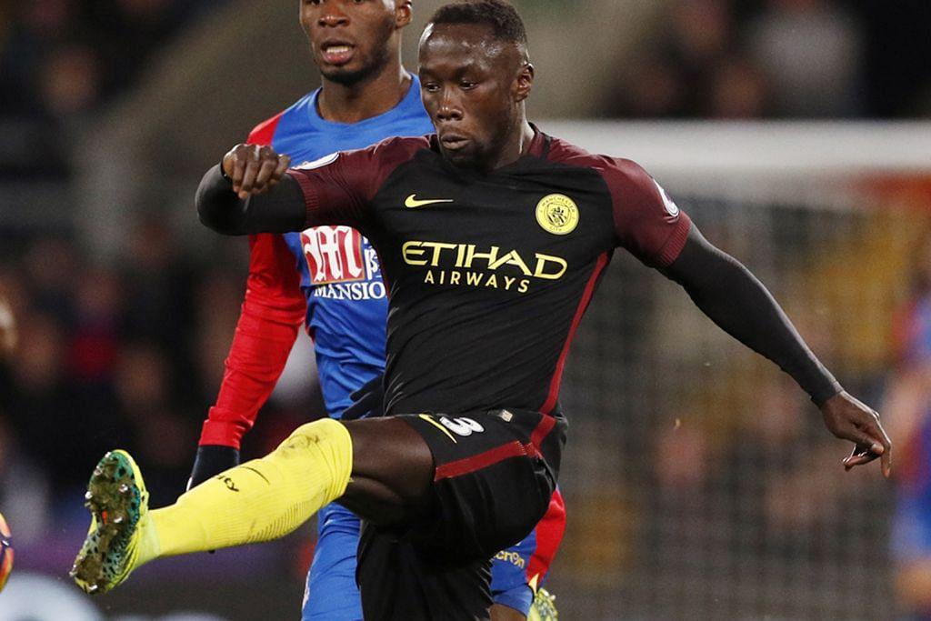 Bacary Sagna (Manchester City, Liga Perdana England) – Foto-foto AFP, REUTERS