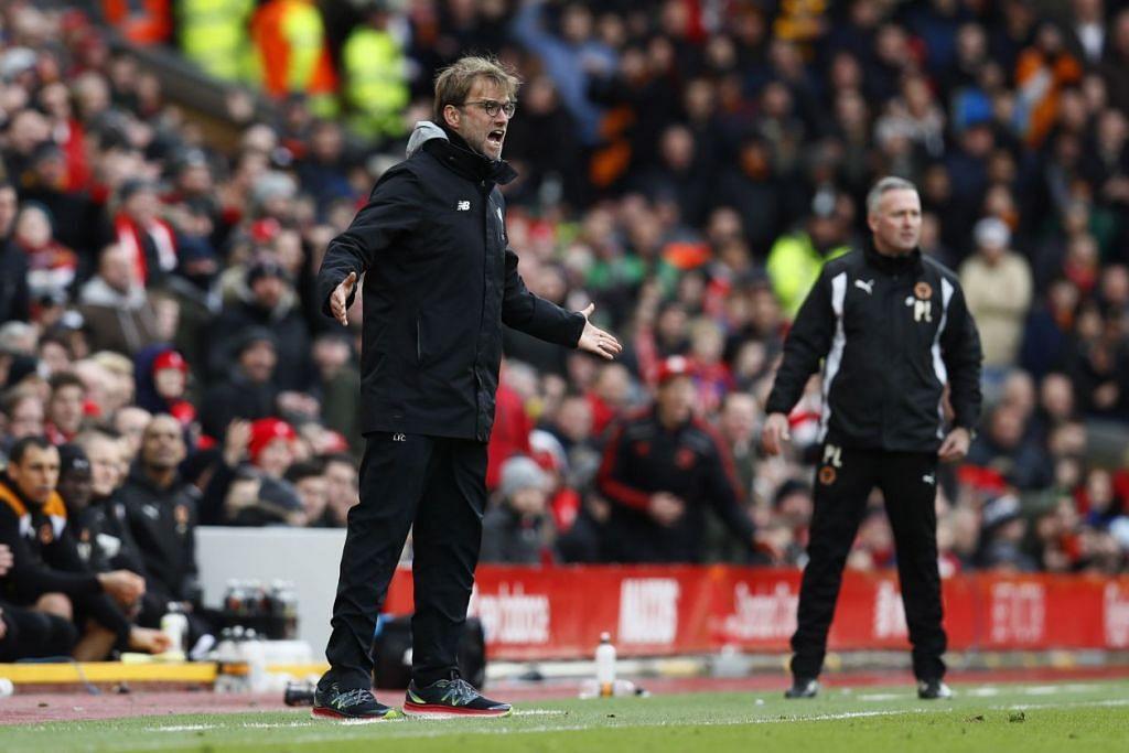 Pengurus Liverpool, Juergen Klopp, menunjukkan kekecewaan semasa perlawanan Piala FA menentang Wolverhampton Wanderers di Anfield pada 28 Jan. Liverpool kalah 2-1 dan tersingkir daripada pertandingan itu.