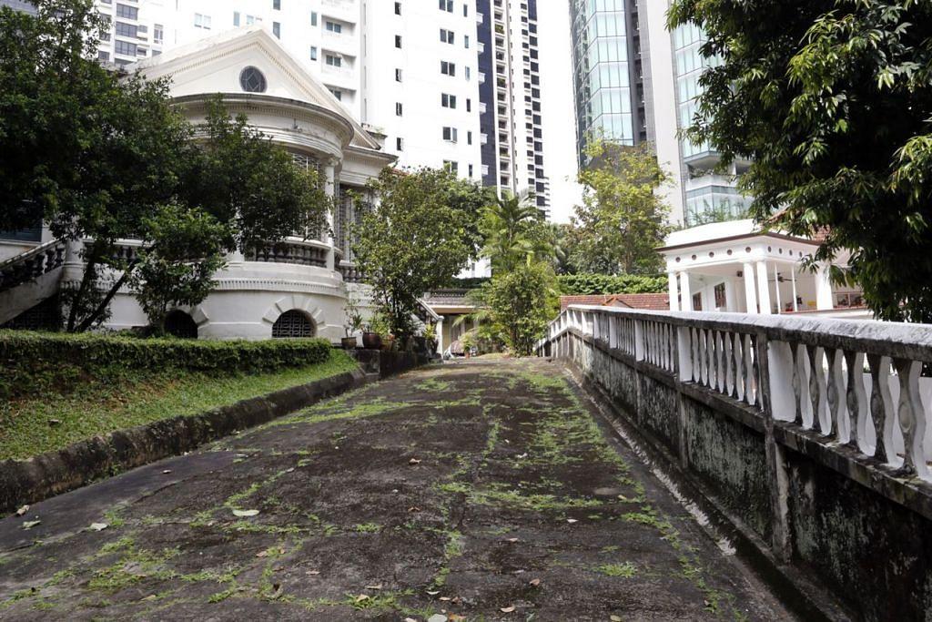 PENUH SEJARAH: Banglo di 9 Claymore Road ini dimiliki Encik Tan Kheng Chuan, pemilik Kilang Sagu Hiap Ann, yang kini tidak berdaftar lagi. – Foto ST