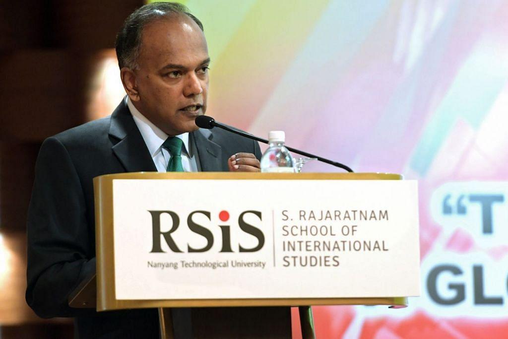 UCAPTAMA PENTING: Menteri Ehwal Dalam Negeri merangkap Undang-Undang, Encik K. Shanmugam. menyampaikan ucapan semasa menghadiri satu perbincangan sempena simposium yang dianjurkan oleh Sekolah Pengajian Antarabangsa S. Rajaratnam (RSIS), semalam. - Foto THE STRAITS TIMES